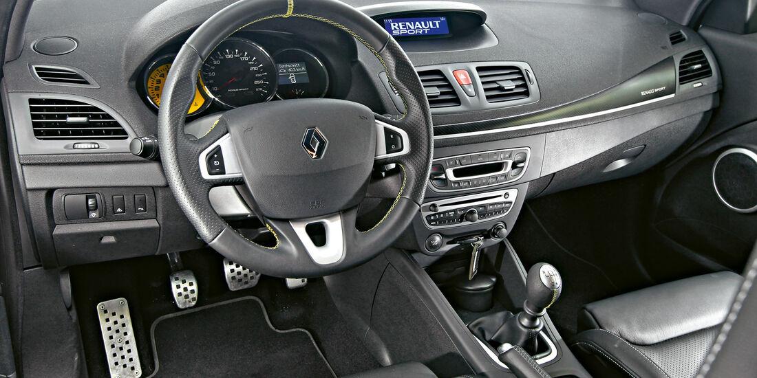 Renault Megane R.S., Lenkrad, Cockpit