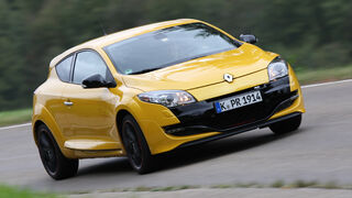 Renault Megane R.S. Trophy, Front