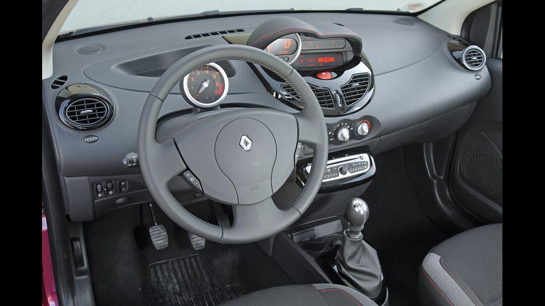 Renault Twingo 1.2, Cockpit, Lenkrad