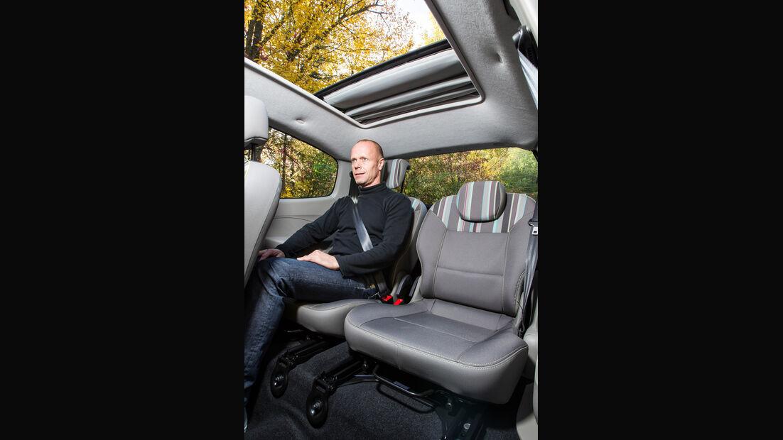 Renault Twingo 1.2 LEV 16V 75 Liberty, Rücksitz, Beinfreiheit