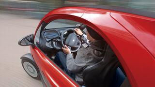 Renault Twizy, Cockpit, Kurvenfahrt