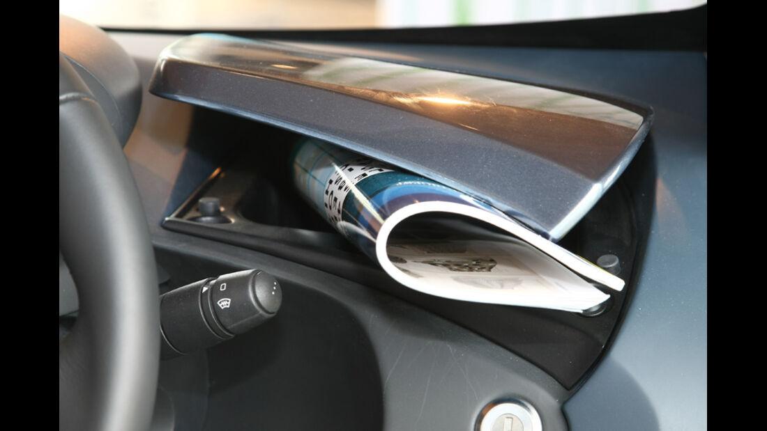 Renault Twizy, Zeitungshalter