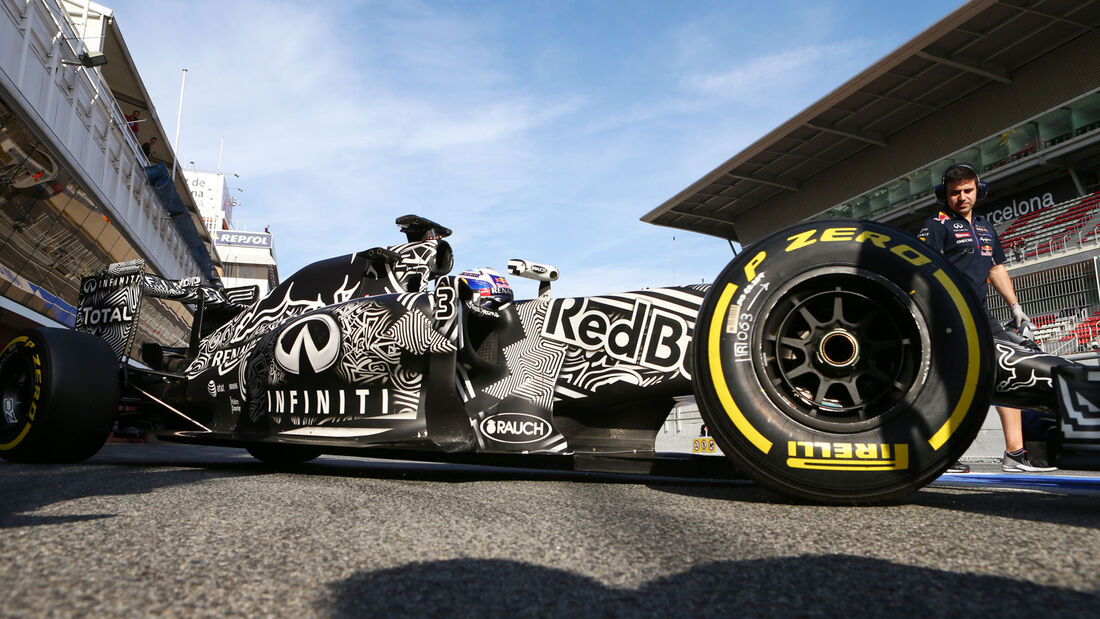 Ricciardo - Barcelona Test 2 - 2015