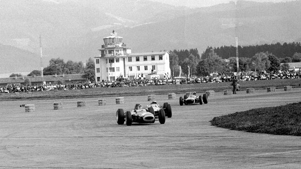 Ritchie Ginther- BRM P261 - Mike Spence - Lotus 33 - Jo Bonnier - Brabham BT7 - Zeltweg 1964