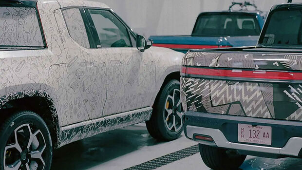 Rivian R1T Extended Cab