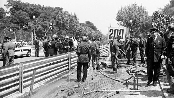 Rolf Stommelen - Unfall - GP Spanien 1975 - Montjuich Park