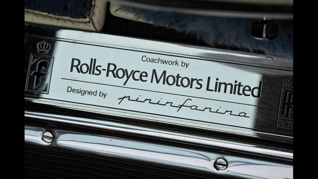 Rolls Royce Camargue, Plakette