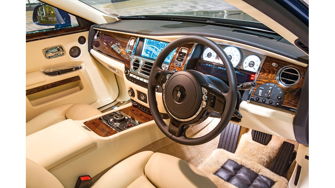 Rolls-Royce Ghost, Cockpit