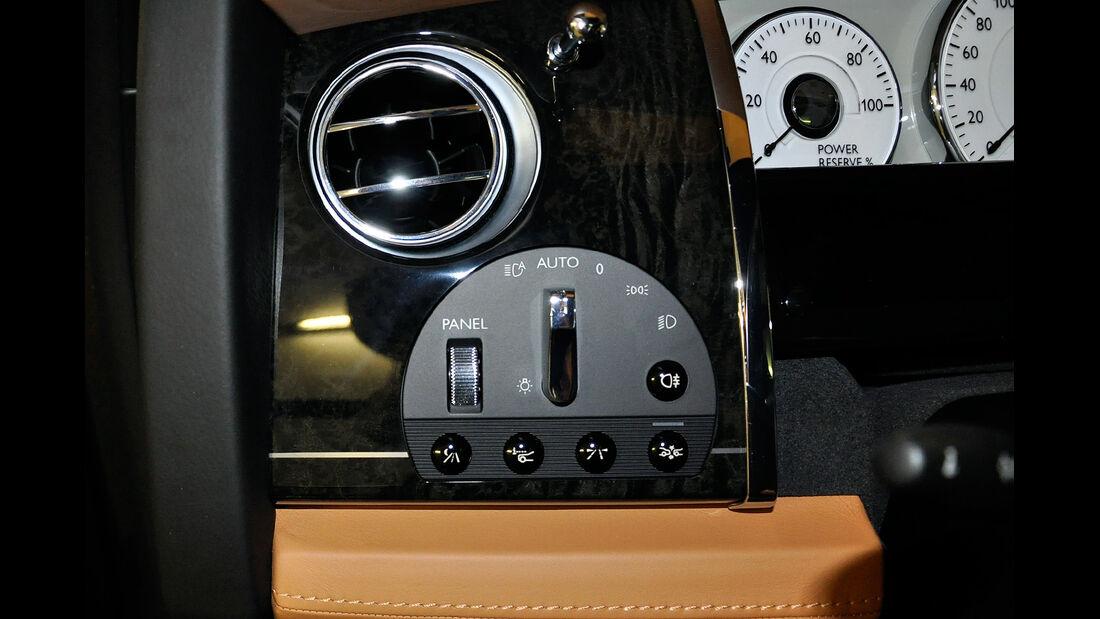 Rolls Royce Ghost, Cockpit, Assistenzssysteme