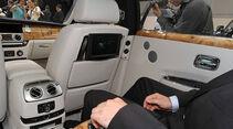 Rolls-Royce Ghost EWB auf der IAA 2011, Sitzprobe