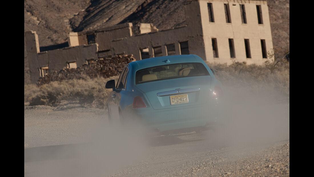 Rolls-Royce Ghost, Heckansicht, Staub