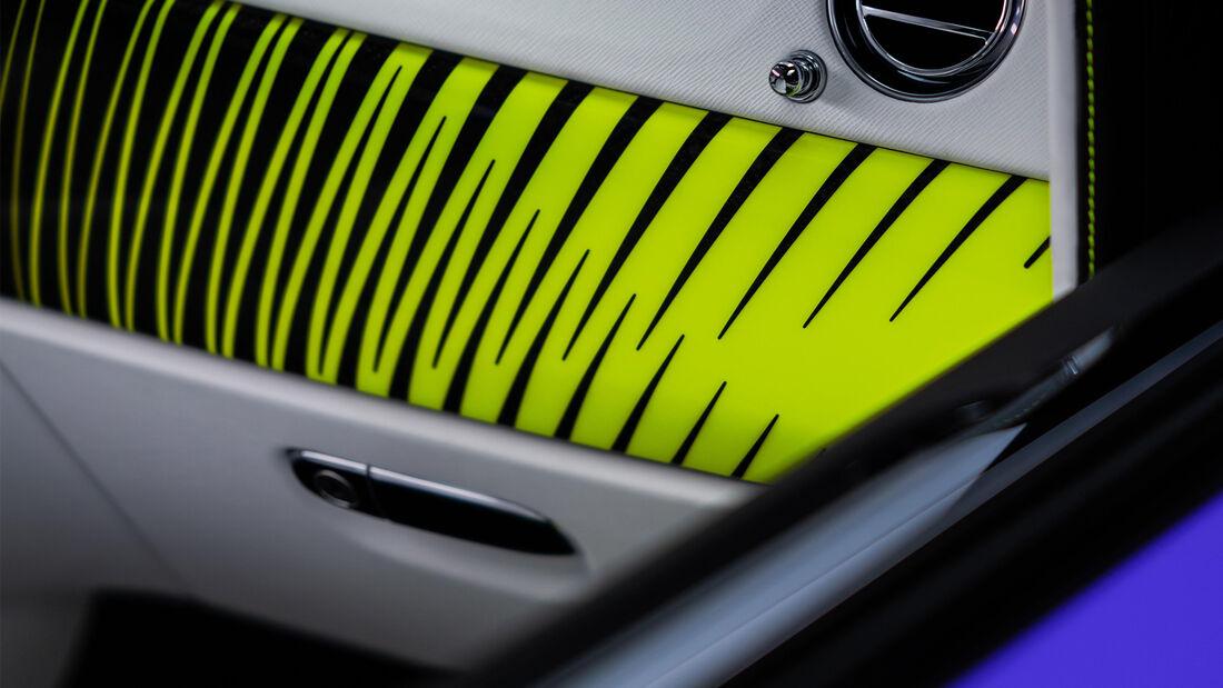 Rolls-Royce Neon Nights Wraith Dawn Cullinan