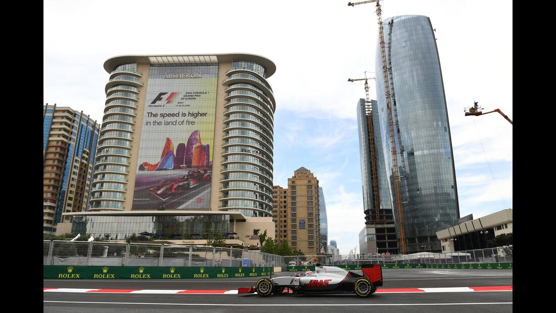 Romain Grosjean - HaasF1 - Formel 1 - GP Aserbaidschan - Baku - 17. Juni 2016