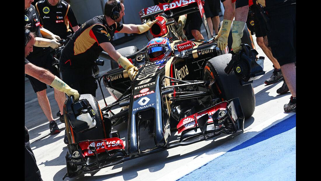 Romain Grosjean - Lotus - Formel 1 - Bahrain - Test - 29. Februar 2014