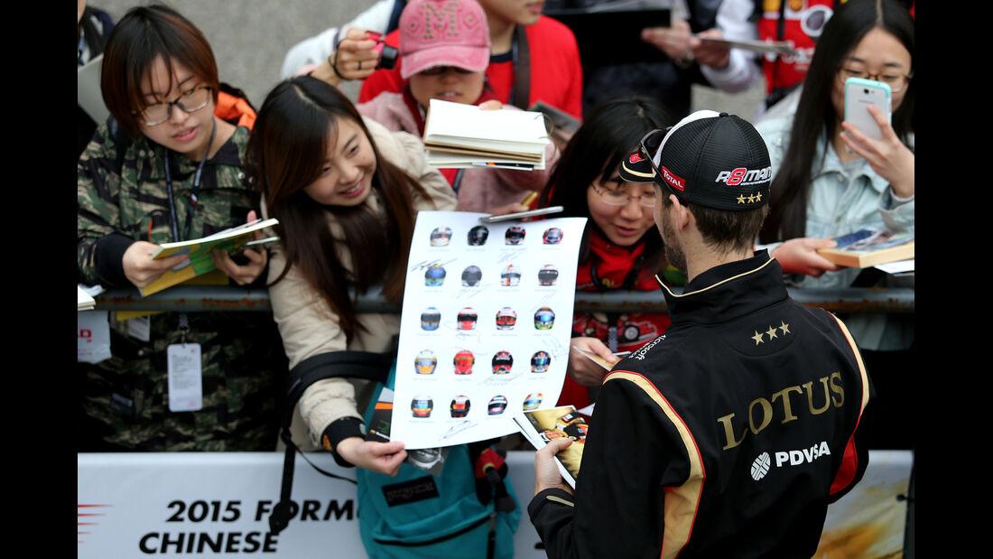 Romain Grosjean - Lotus - Formel 1 - GP China - Shanghai - 9. April 2015