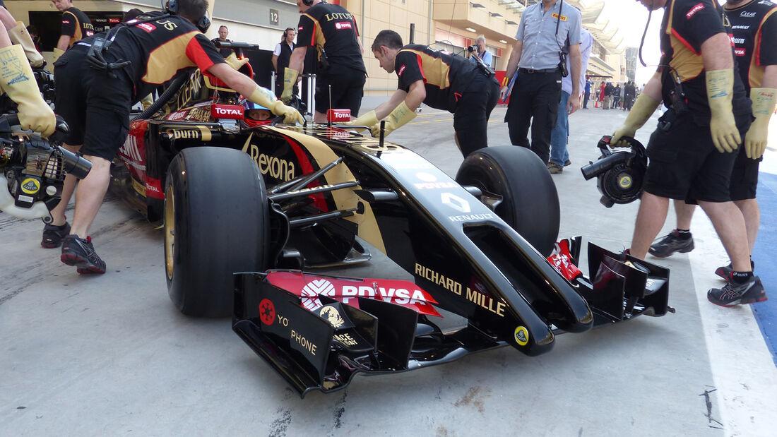 Romain Grosjean - Lotus - Formel 1 - Test - Bahrain - 19. Februar 2014