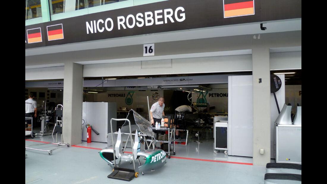 Rosberg-Box - GP Singapur - 22. September 2011