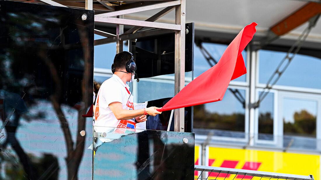 Rote Flagge - Formel 1 - GP Aserbaidschan 2021