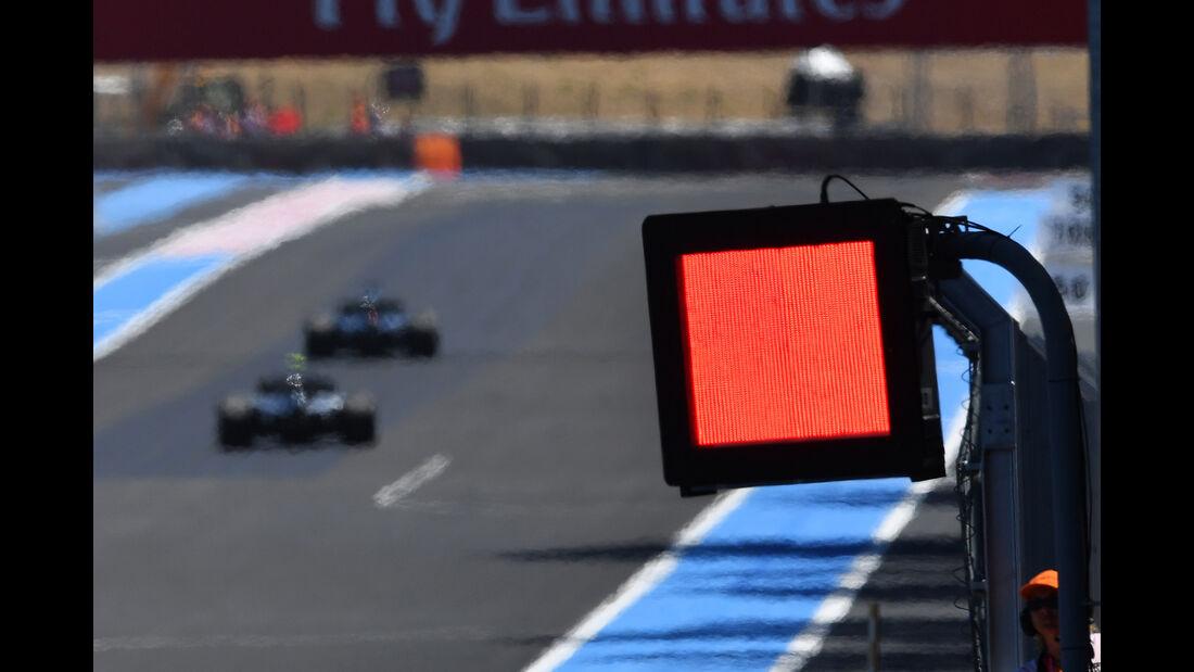 Rote Flagge - Formel 1 - GP Frankreich - Circuit Paul Ricard - 22. Juni 2018