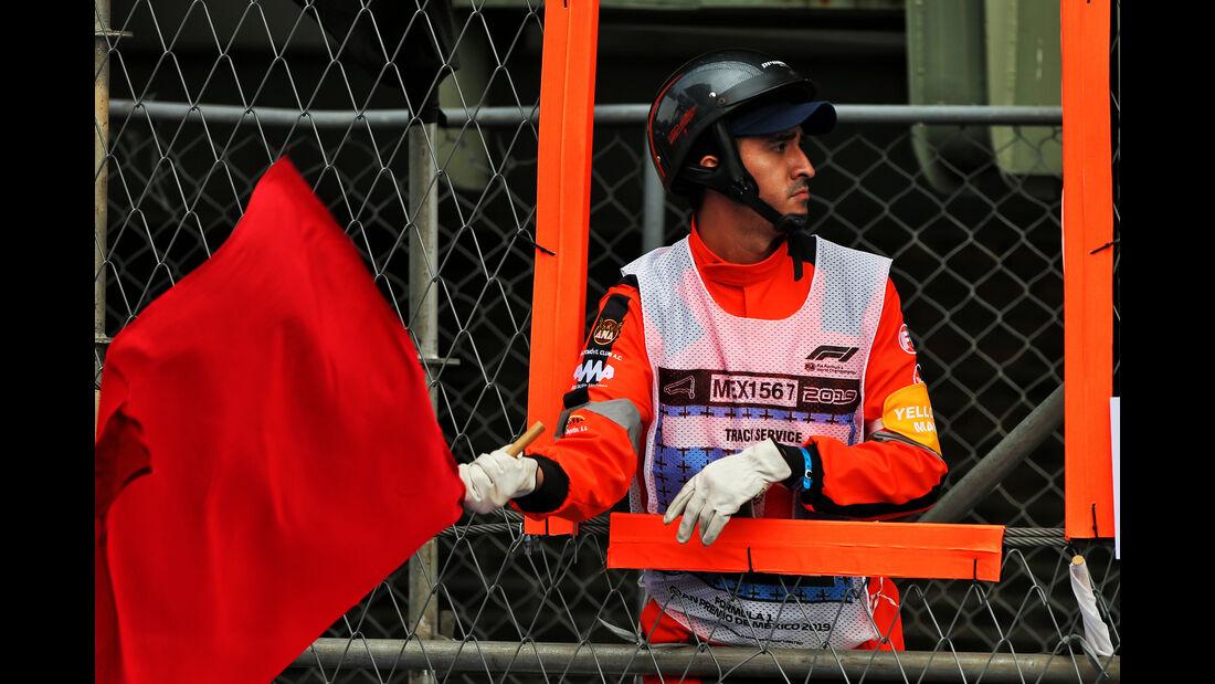 Rote Flagge - Formel 1 - GP Mexiko - 25. Oktober 2019