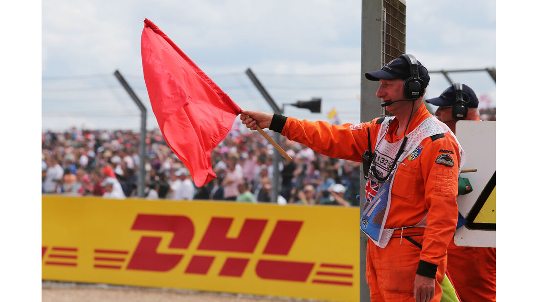 Rote Flagge - GP England 2014