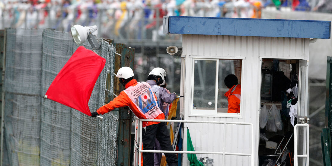 Rote Flagge - GP Japan 2014