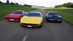 Roter Ferrari 308 GTB, gelber Maserati Bora 4.7 und schwarzer Lamborghini Urraco P 300