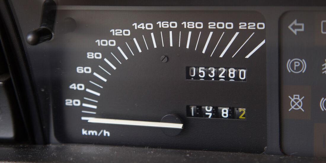 Rover Vitesse (SD1), Tacho, Rundinstrument