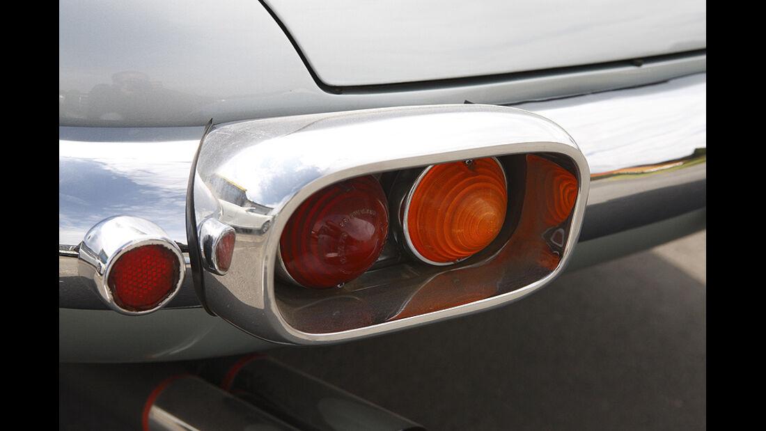 Rücklicht des Ferrari 400 Superamerica Aerodinamico Coupé