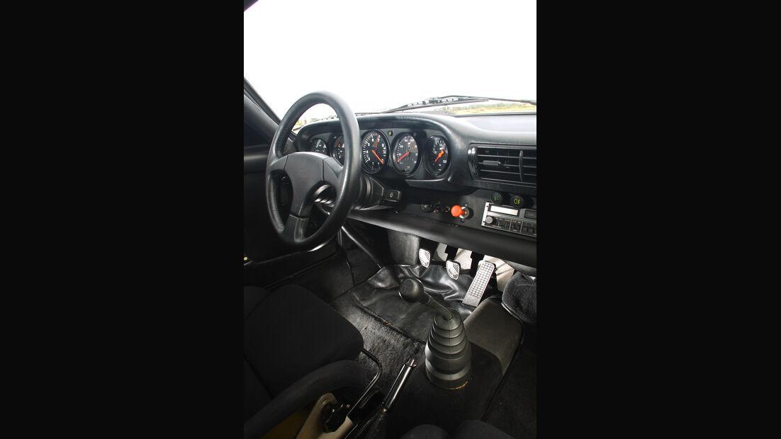 Ruf CTR Yellowbird, Cockpit