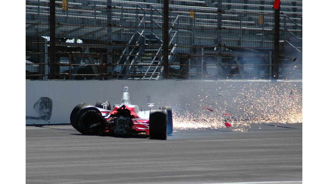 Ryan Briscoe - IndyCar-Crash