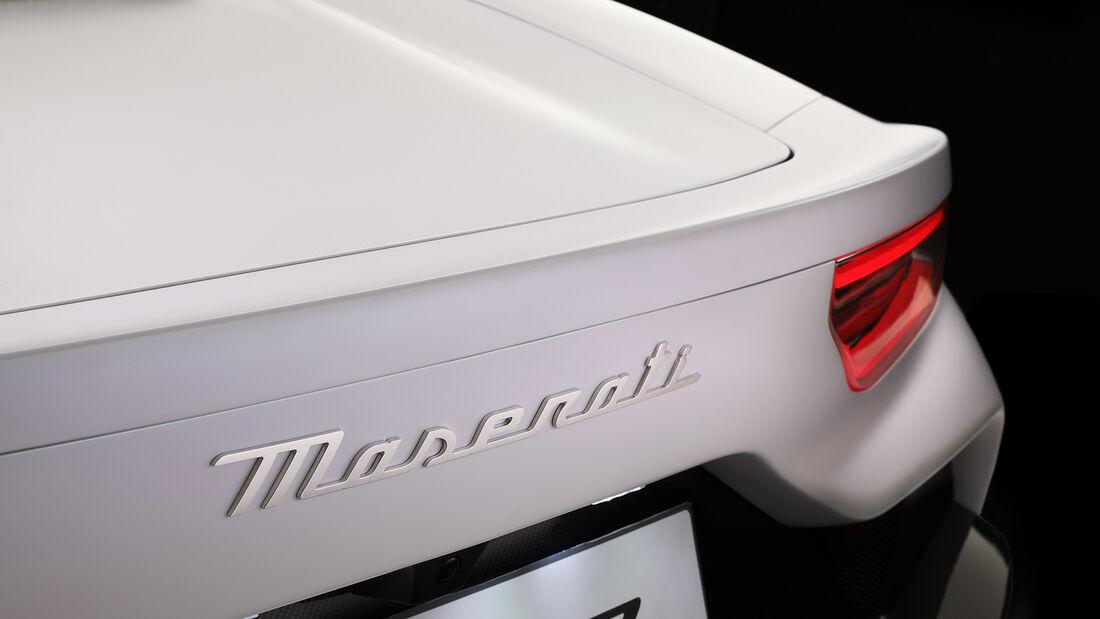 SPERRFRIST 09.09.20 um 21 Uhr Maserati MC20 Supersportwagen Studio