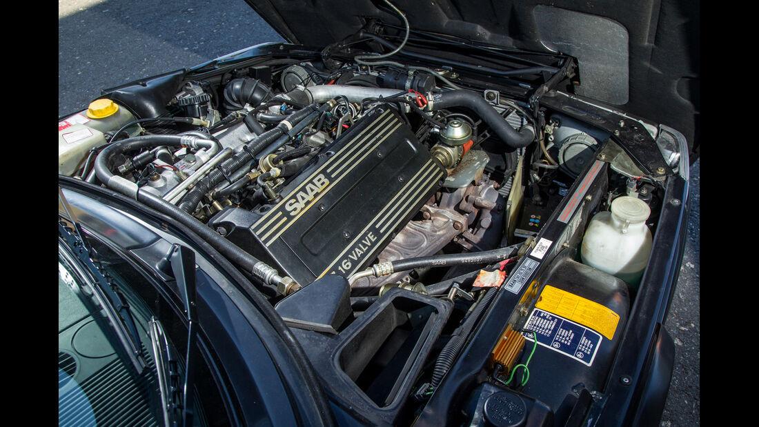 Saab 900 Cabrio, Motor