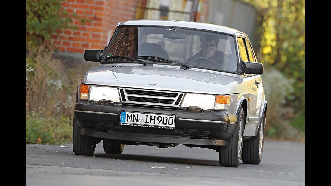 Saab 900, Frontansicht