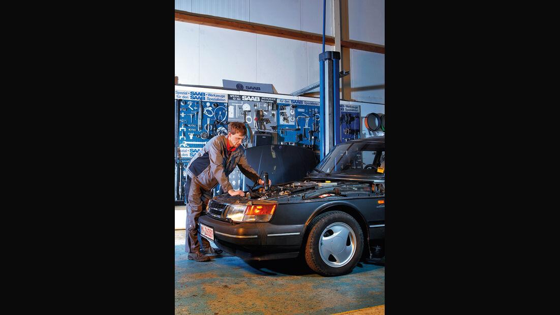 Saab 900, Motorhaube