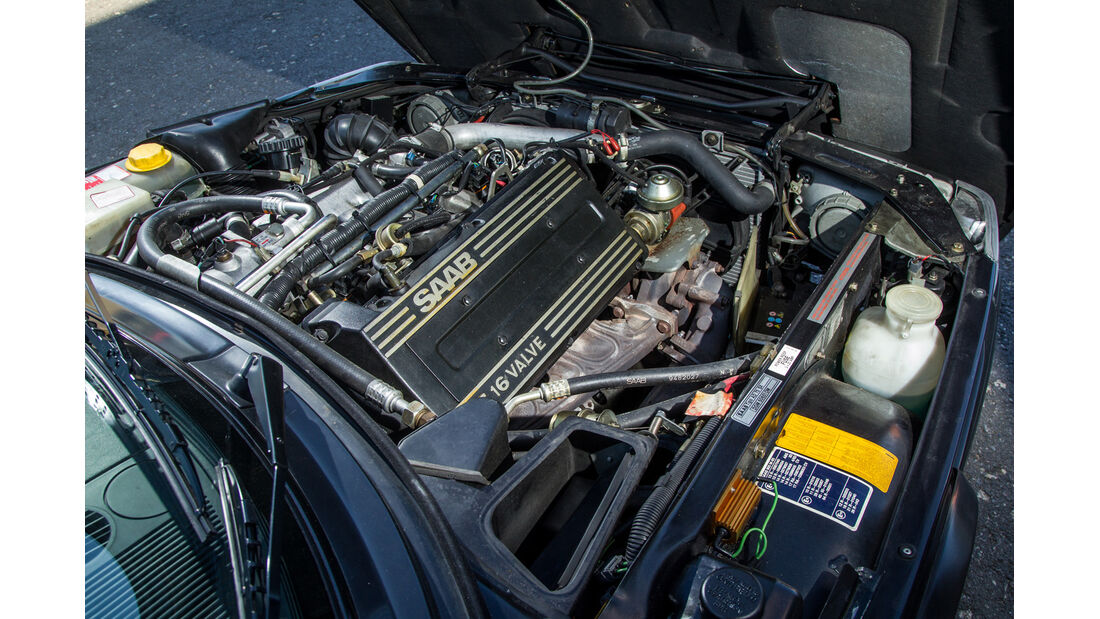 Saab 900 S Cabrio, Motor