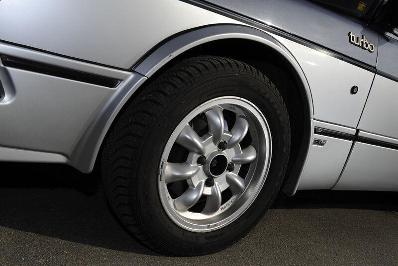 Saab 900 Turbo DeLuxe, Baujahr 1984 Rad
