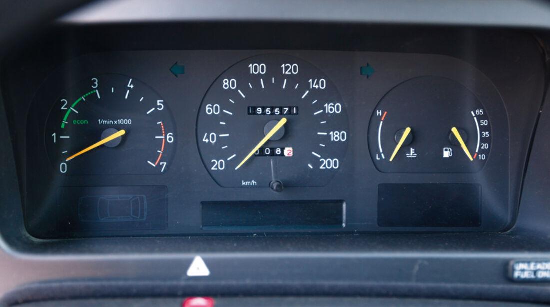 Saab 9000 CD, Tacho, Rundinstrumente