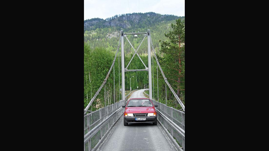 Saab 9000, Schweden, Frontansicht, Hängebrücke