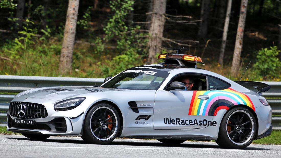 [Imagen: Safety-Car-Formel-1-GP-Oesterreich-Spiel...703457.jpg]