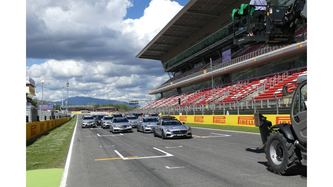 Safety Car - Medical Car - Flotte - GP Spanien - Circuit de Barcelona-Catalunya - Mittwoch - 11. Mai 2016