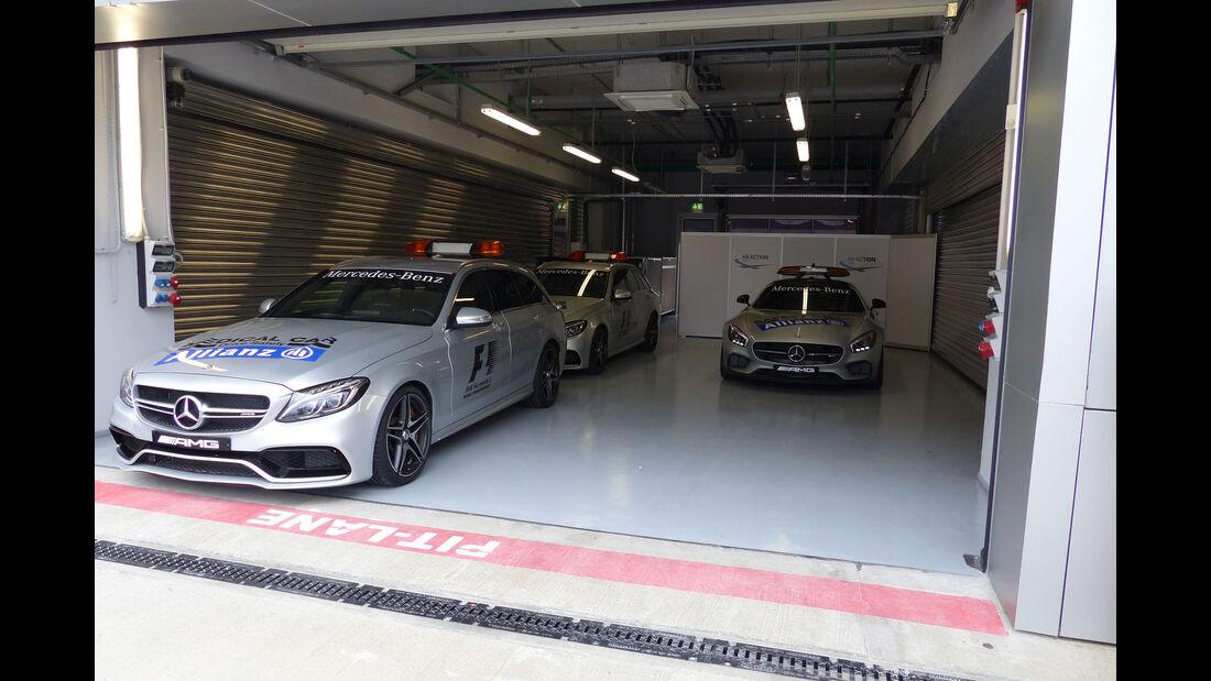 Safety Car - Medical Car - Formel 1 - GP Russland - Sochi - Mittwoch - 7.10.2015