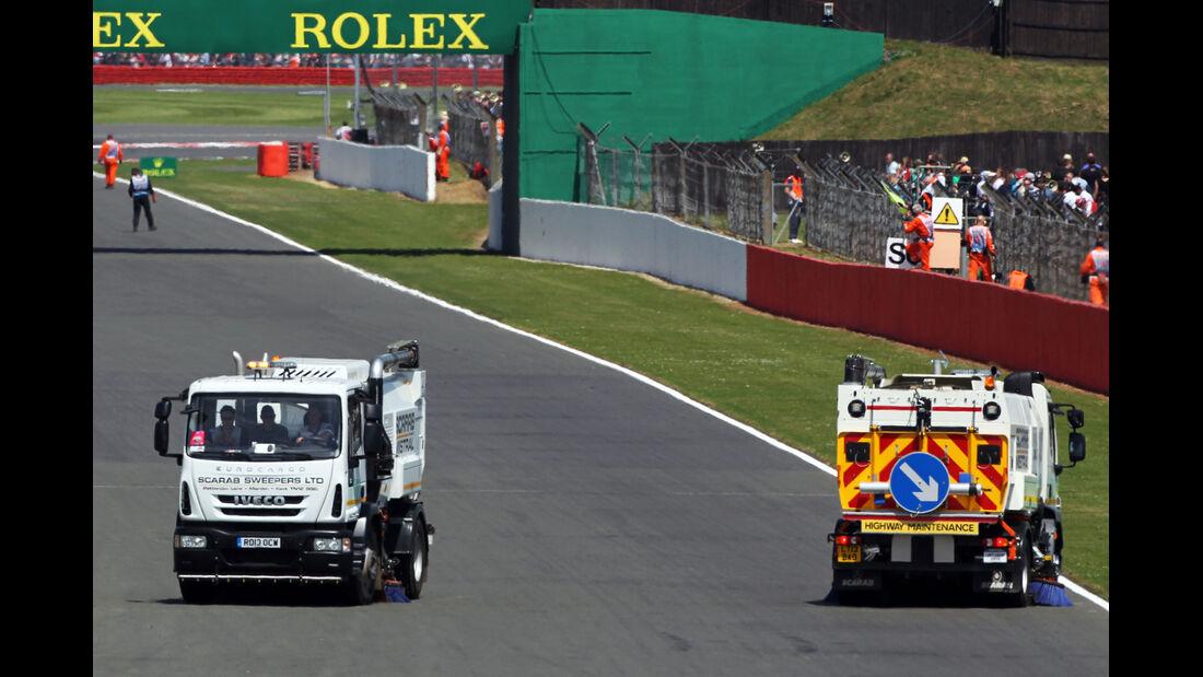 Safety-Car-Phase - Reifenschaden GP England 2013