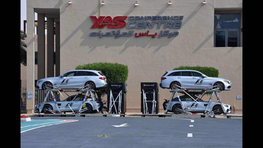 Safety-Cars - Abu Dhabi - Test 1 - 28. November 2017