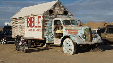 Salvation Mountain Cars, 1939er White Truck