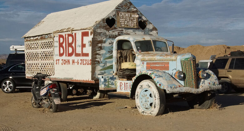 Salvation Mountain Cars, 1939er White Truck