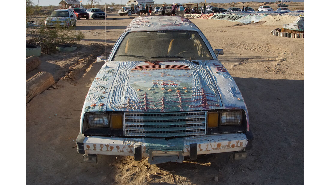 Salvation Mountain Cars, Ford Pinto