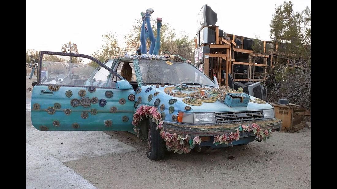 Salvation Mountain Cars, Slab City, East Jesus, Toyota Tercel (L30)