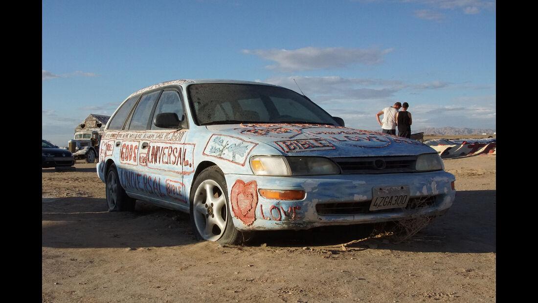 Salvation Mountain Cars, Toyota Corolla Station Wagon