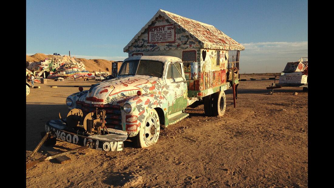Salvation Mountain Cars, Truck